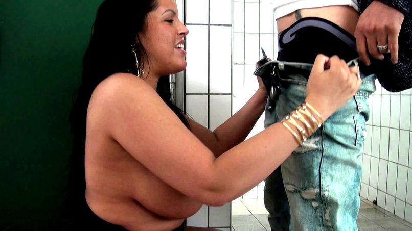 Busty mature wants her dose of big cock! - Tonpornodujour.com