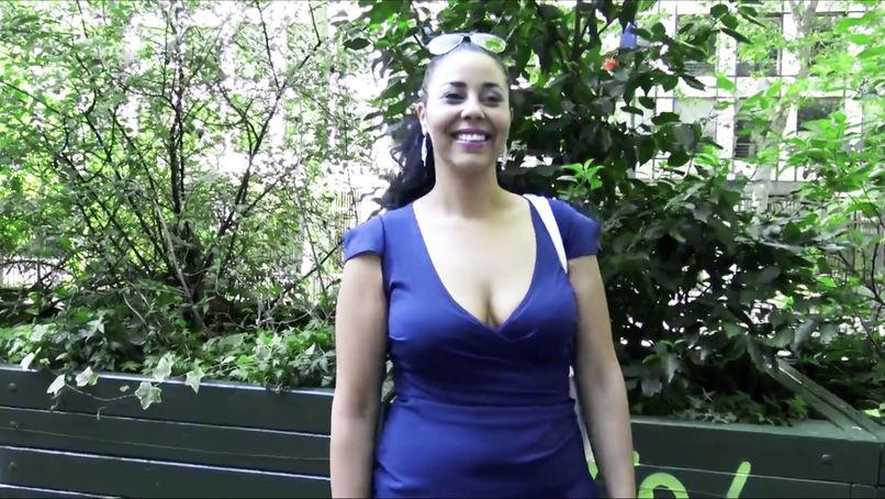 Beautiful bitch very slutty, Nawel, 29 years old, is not afraid of hard anal! - Tonpornodujour.com